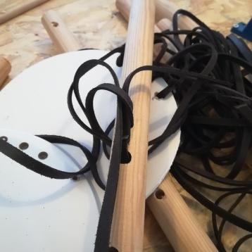 Expérimentation projet lampe - cuir et bois - Anja Clerc Design