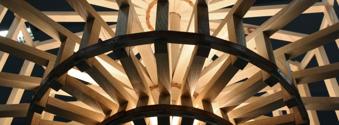 Lustre Isaac - Luminaire sur-mesure - design stéphanois et lyonnais - bois et cuir