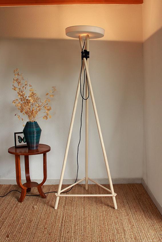 Luminaire, lampadaire bois et porcelaine, design éco-conçu, halogène